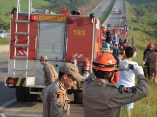 Dois acidentes s�o registrados no mesmo trecho da BR-101 na Para�ba
